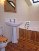 pine-floor-in-bathroom