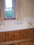 pine-panelled-bath