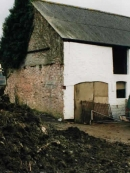 apple-barn-before-conversion
